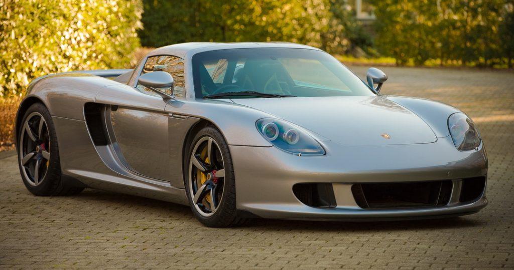 2004-Porsche-Carrera-GT-01